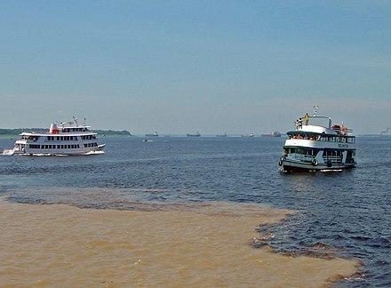 440px-Manaus_Encontro_das_aguas_10_2006_103_8x6.jpg